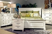 Stoney Creek 3 Drwr Nightstand (Last One)